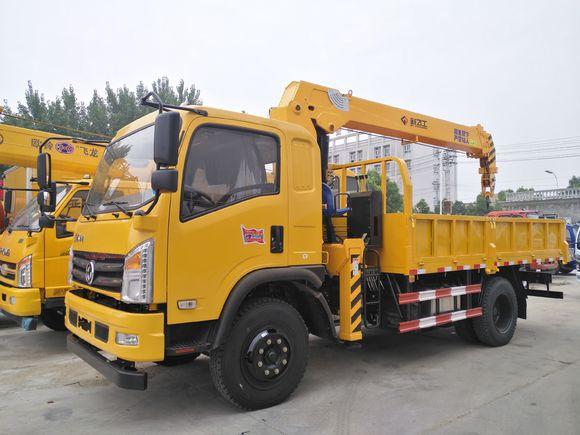 东风特商新飞工6.3吨随车吊